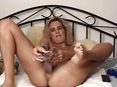 Busty webcam blonde doing bizarre insertions tubes