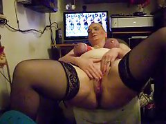Granny with tits tied up masturbating tubes