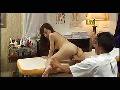 Japanese girl gets fucked by masseur tubes