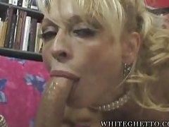 Glamorous blonde milf suck and facial tube