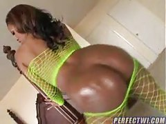 Black girl plays solo, uses toys and has a threesome tubes