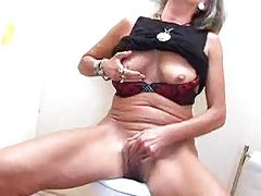 Old slut fucked at the gloryhole tubes