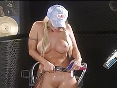 Gorgeous blonde fingering her pussy solo tubes