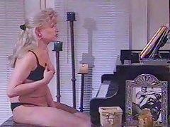 Beautiful tranny masturbating her cock tubes