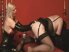 Mistress in latex fisting sissy boy ass tubes