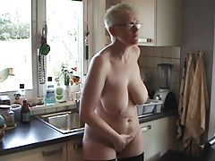 Big ass mature naked in her kitchen tubes