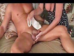 Milf gives young man a towel bath and handjob tubes