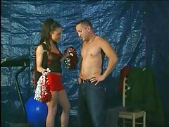 Cheerleader showers her exceptional sexual talents tubes