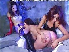 Latex clad girls in lesbian threesome tubes