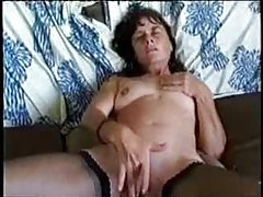 Milf rubs her clit furiously tubes