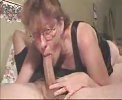 Sexy mommy sucking a nice big cock tubes