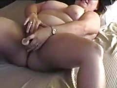 Hubby films BBW mom masturbating tube