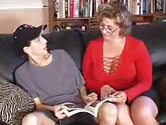 Mature slut gets her nephew to bone her tubes