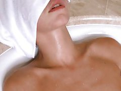Free Bathing Movies