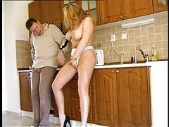 Blonde housewife gets him in her pussy tubes