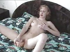 Skinny girl toy fucking in bed tubes