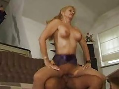 Mature wife fucked in her box on the couch tubes