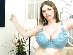 Huge boob babe shakes them for you tubes