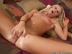 She's all alone and masturbating lustily tubes