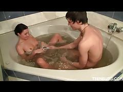 Oral sex in the bathtub for teens tubes
