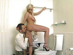 Big cock blowjob and fuck in bathroom tubes