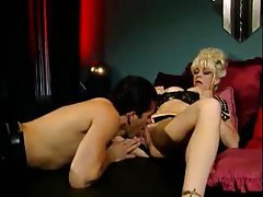 Blonde with a great body gives terrific blowjob tubes