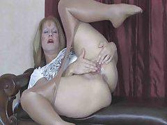Hot mature babe dancing in pantyhose tubes