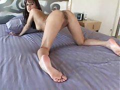 Sexy girl with sexy feet masturbating tubes