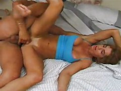 Milf chick lifting weights before hot fuck tubes