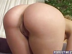 Nice ass chick showing off and stroking tubes