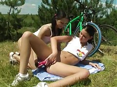 Teenage girls have lesbian sex outdoors tubes