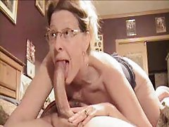 Wife deepthroats a pretty big dick tubes