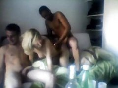 Group of guys gangbang a French amateur tubes