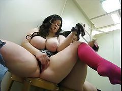 Fat chick masturbates in changing room tube