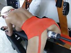 Bimbo does bottle fuck with a machine tubes