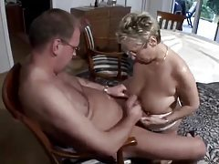 Gardener fucks the mature lady of the house tubes