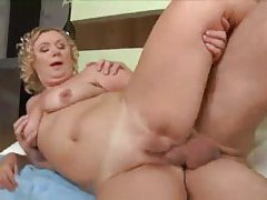Curly hair mature and the big cock tubes