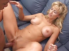 Giant black cock fucks this naughty mommy tubes