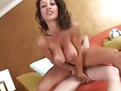Milf with hot curves sucks and screws tubes