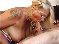Foreplay with the tattooed mature in glasses tubes