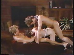 Retro threesome with a gorgeous brunette tubes