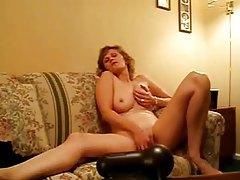Natural milf on webcam masturbates tubes