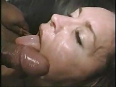 His wife takes a load in amateur video tubes