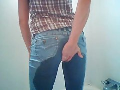 Girl pisses in her jeans and dances tubes