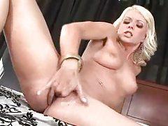 Jana Cova fingers her slick hole tubes