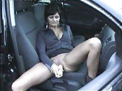 Ear of corn in pierced pussy in car tubes