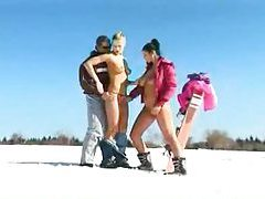 Sexy sluts in the snow do a threesome tubes