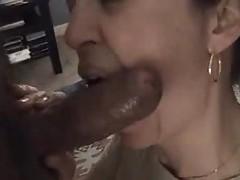 Watch her suck a dark cock tubes