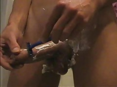 Dude shaves his cock and balls tubes