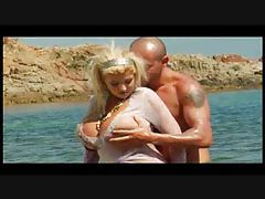 Huge titty blonde fucked on sexy beach tubes